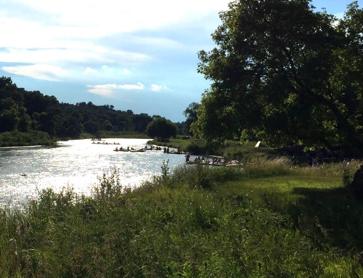 Niobrara River with tubes and canoes
